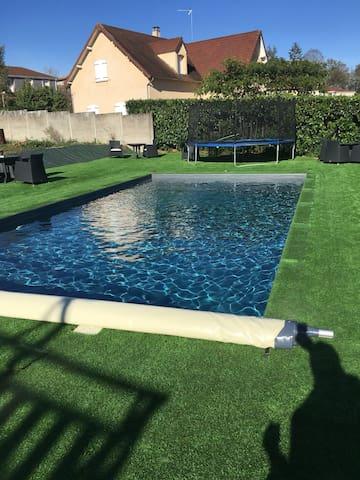 Iron man - Grande maison/piscine idéale famille