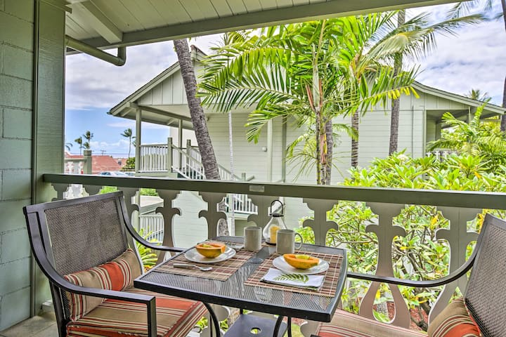Kailua-Kona Studio Condo w/ Pool, Steps to Coast!