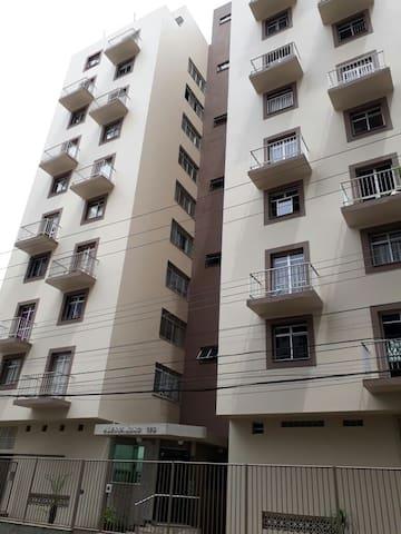 Apartamento Espaçoso no centro de Guarapari +WIFI