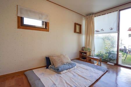 전주한옥마을골목에있는 사랑방 - Jeonju-si  완산구풍남동 3가 38ㅡ 7번지  - Maison