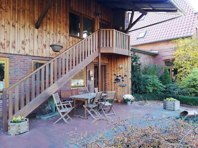 Neue Wohnung mit Terrasse im Landhaus Stil