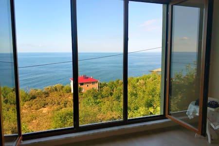 Trabzon mersin mahallesi deniz manzaralı ev