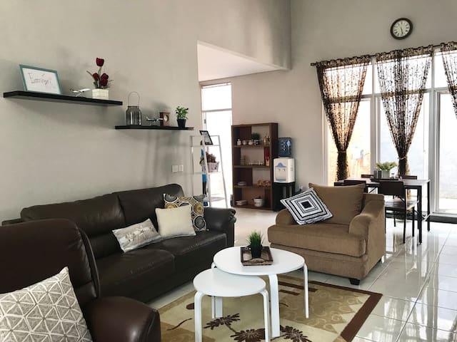 Affordable comfort at the gate of Bdg -Griya Amani
