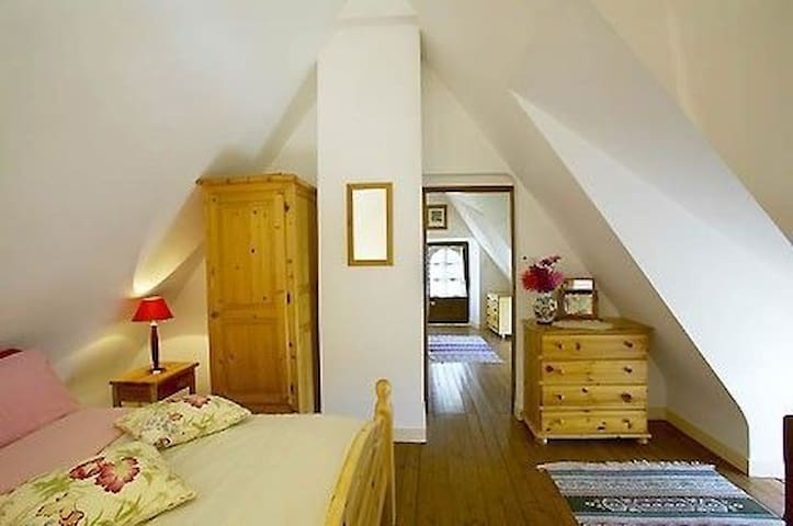 Le Pressoir, La Garenne, Select Cottages, sleeps 5 - Languidic - House