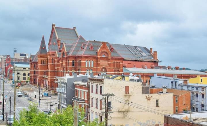 Stunning Penthouse Style Condo in OTR with Parking
