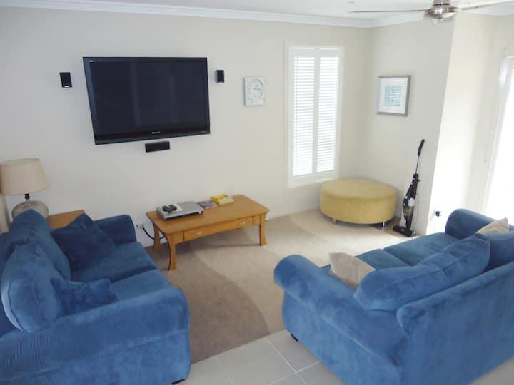 Unit 1, 3 bedroom apartment Blueberry Apartments