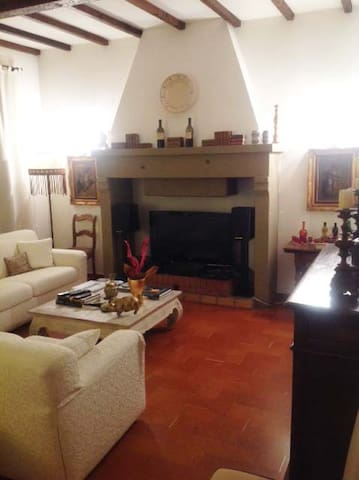 house with garden close to Florence - Pratolino - Talo