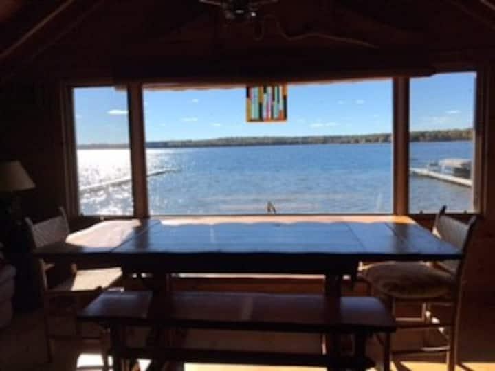 The Lounge - Fiesta on the Lake