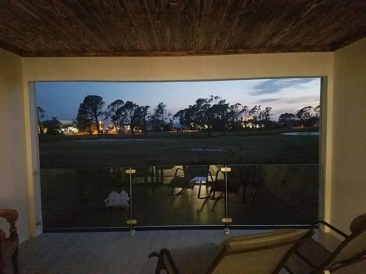 Quiet private room in elegant Bay Point condo