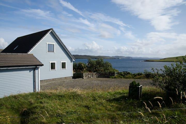 Gerdi, Hillswick, Shetland - beautiful sea views