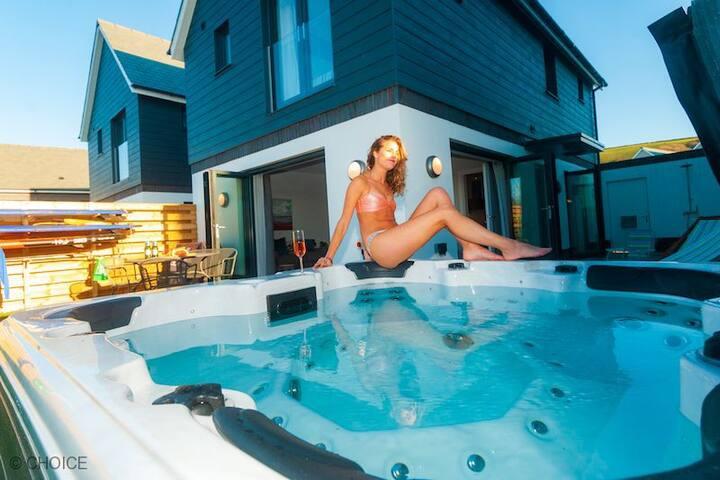 CROYDE SCILLA VERNA | 3 Bedrooms | Hot Tub Option |  Brand New