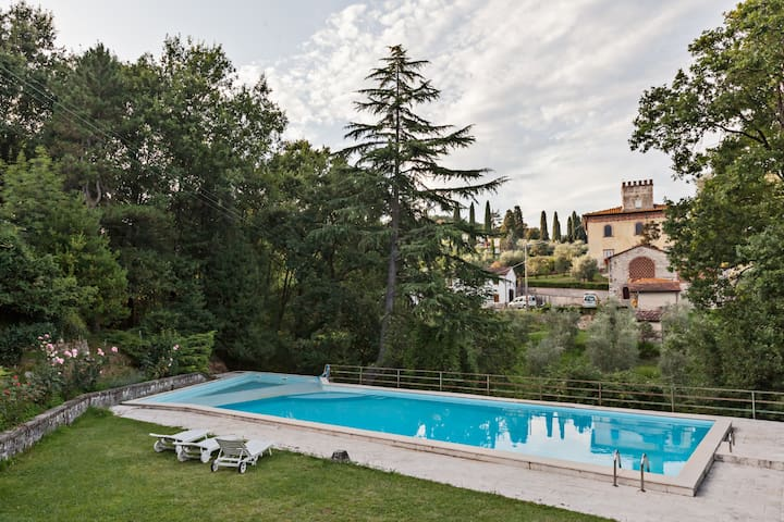 Villa Liber, 12 people, private pool. Lucca - ลูกา - วิลล่า