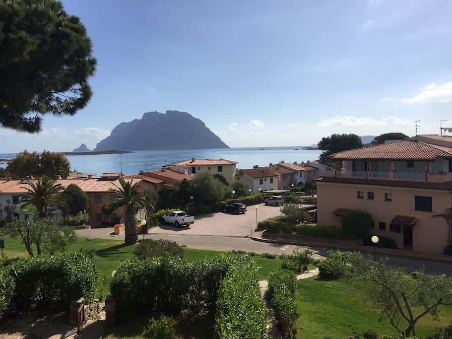Porto san paolo ot terrazzo mare apartments for rent for Large apartment in san paolo
