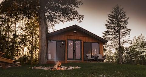 Peace of Beach, 4 season waterfront cottage