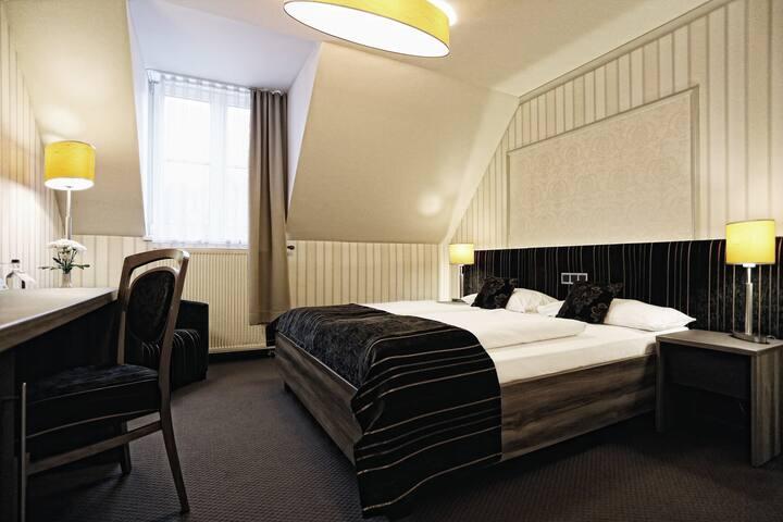 Konsumhotel Dorotheenhof Weimar (Weimar) - LOH07309, Doppelzimmer Kuschelbett (1,60 x 2,00 m) mit DU/WC