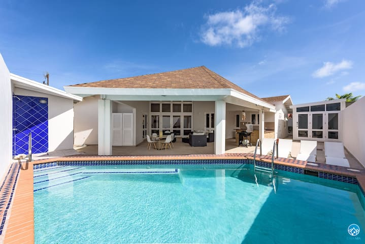 Palm Beach Villa - this GEM is ready for YOU!