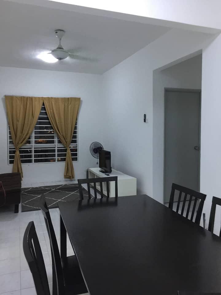 Affordable Stay @Rue's Apartment UKM Bangi Kajang