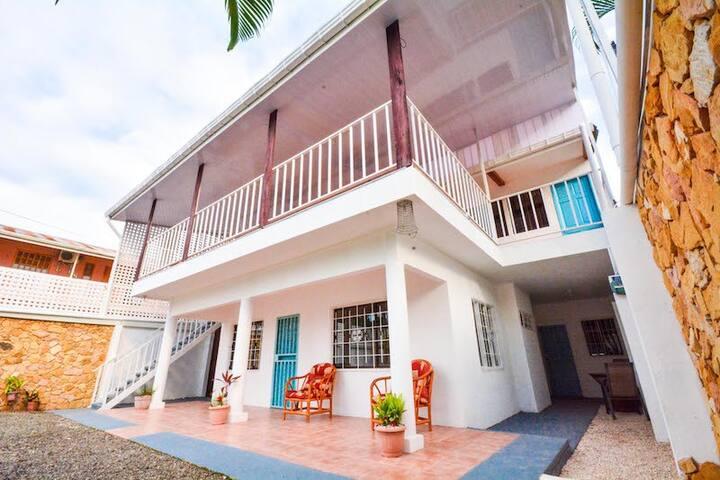 Casa Leones Apartment #1