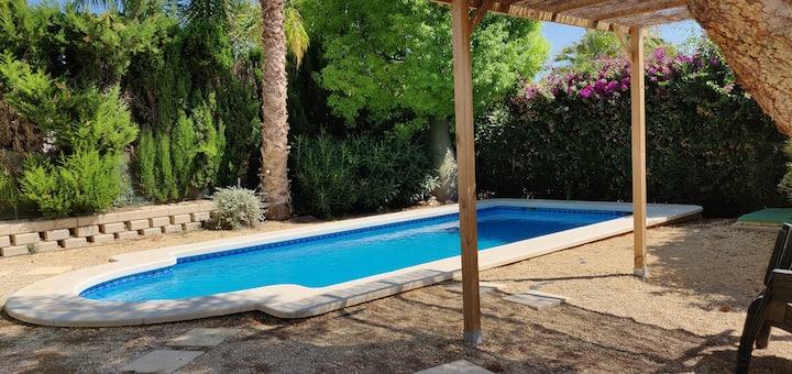 Villa en Bonalba hasta 8 Piscina y Jardín Privados