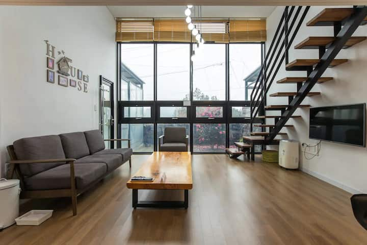 The SALDA Loft FamilyHouse I, Exclusive area 96 m²