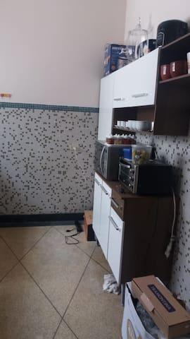 KITNET AO LADO DO METRÔ TIRADENTES - CENTRO - SP