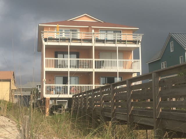 The Sand Castle - Ocean front 1st floor beach home - Carolina Beach - Condominio