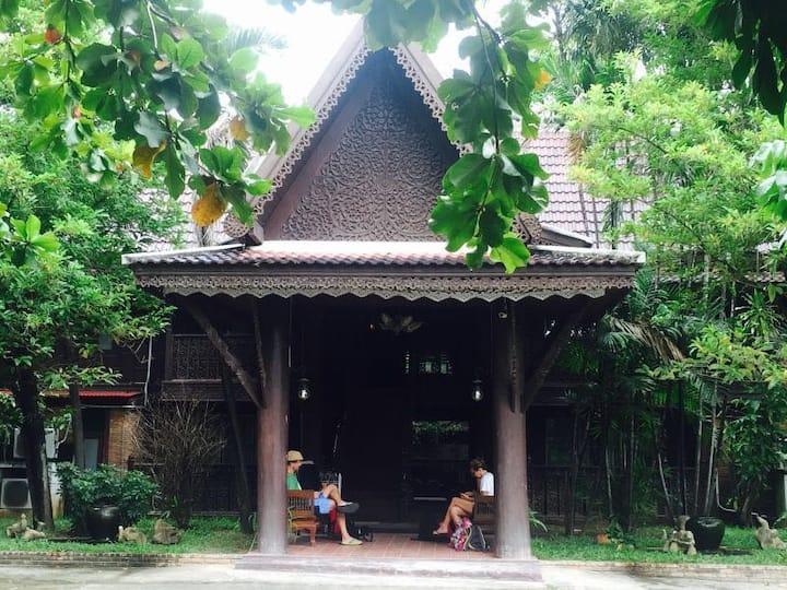 泰式老柚木房子/花园泳池凉亭