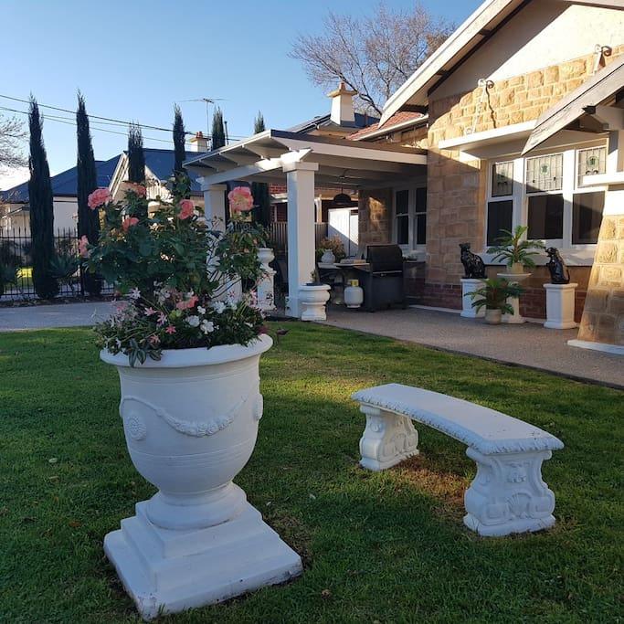 Stunning outdoor garden and entertaining area