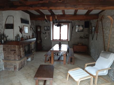 Maison beauceronne avec grand espace extérieur