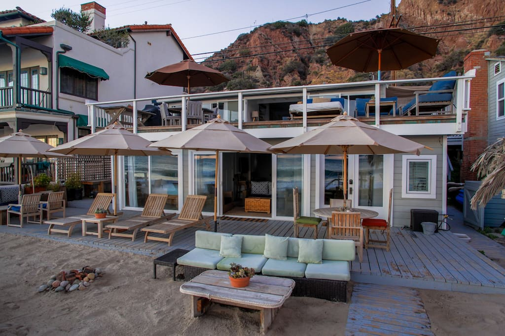 Malibu beach house entire home houses for rent in malibu for Malibu mansions for rent