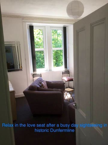 Bright and charming flat in historic Dunfermline
