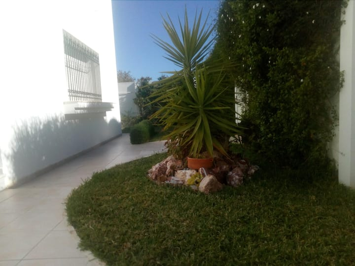 magnifique étage de villa  et beau jardin