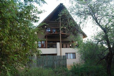 Croc River View - Casa