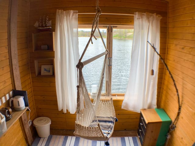 Bed&Boat | two-story boathouse on lake+boat(incl.)