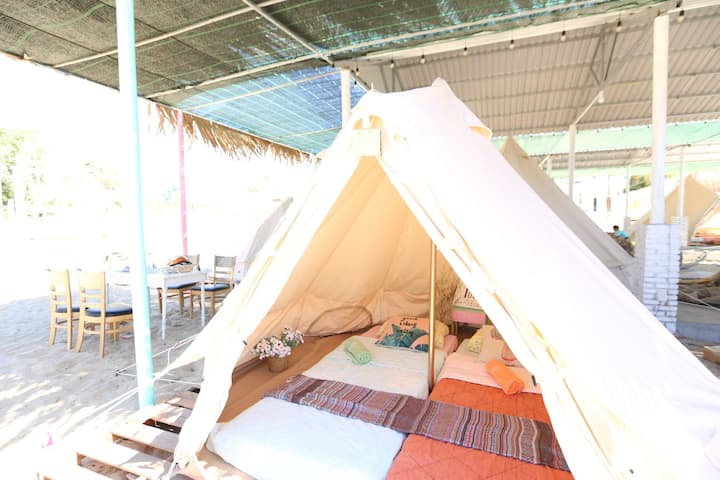 Natural touch in MUI Ne ! Let's stay in Bell tent