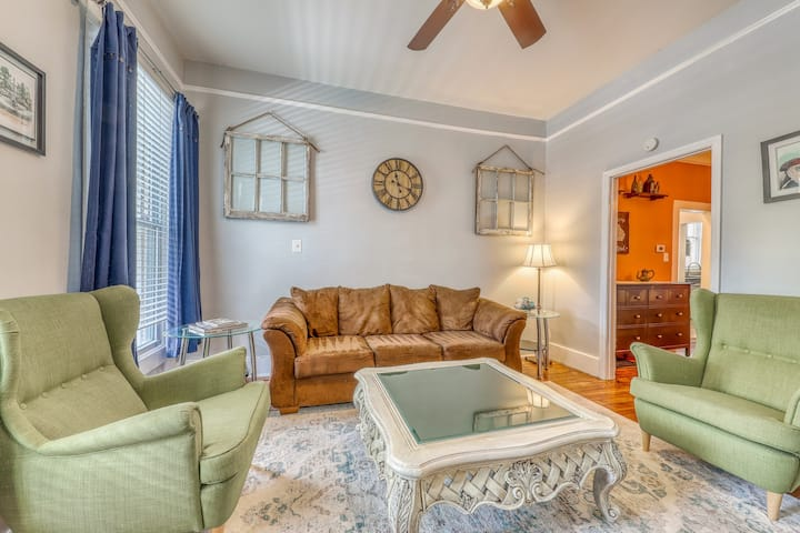 Lower level of historic home w/ shared outdoor space