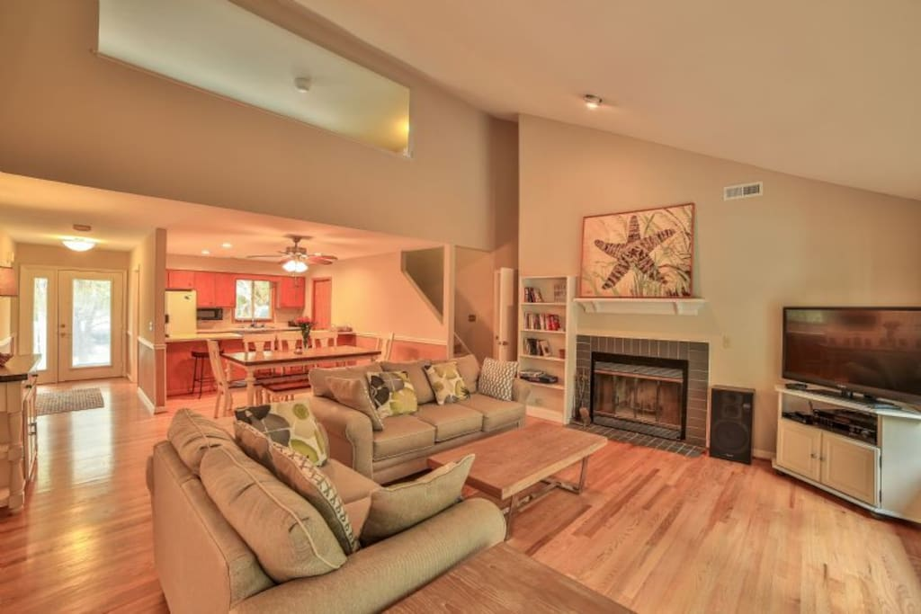 open living area with plenty of seating!