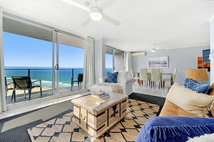 Absolute Beachfront in the heart of Surfers Paradi