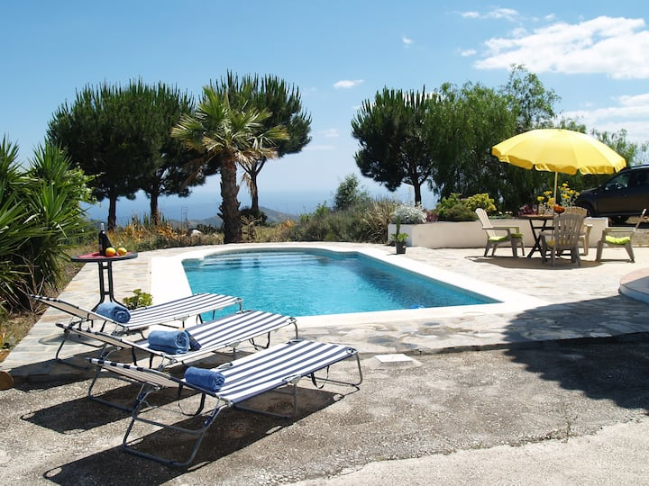 Nature reserve-villa 8p-privacy-pool-naturism.