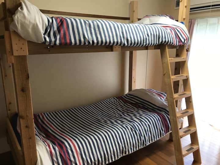 幸楽窯 ハッピー ラッキー ゲスト ハウス-Bunk Bed Room 102