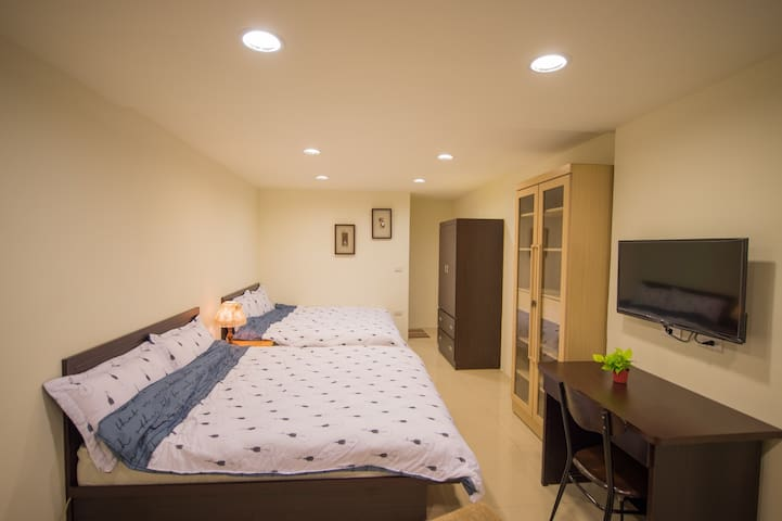 Newly renovated 1F quadruple suite with park space - Xindian District - Byt