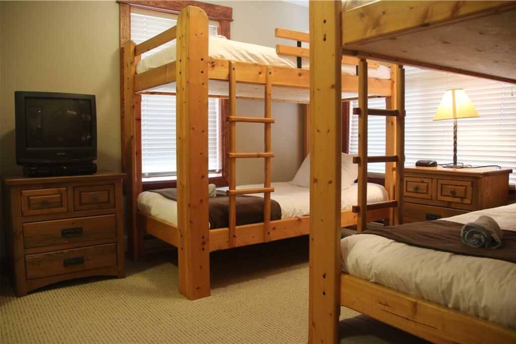 T541 Second Bedroom 1