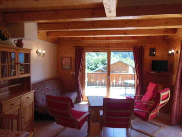 CHAMPAGNY - 10 pers, 100 m2, 6/5
