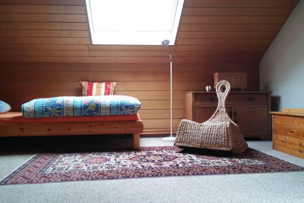 haus mit blick ber die stadt apartments for rent in saarbr cken saarland germany. Black Bedroom Furniture Sets. Home Design Ideas