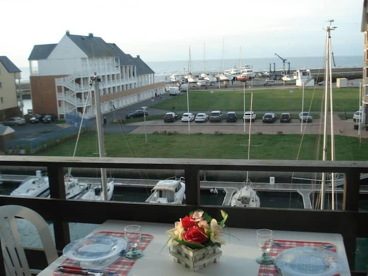 Appartement vue sur la mer Deauville avec wifi.