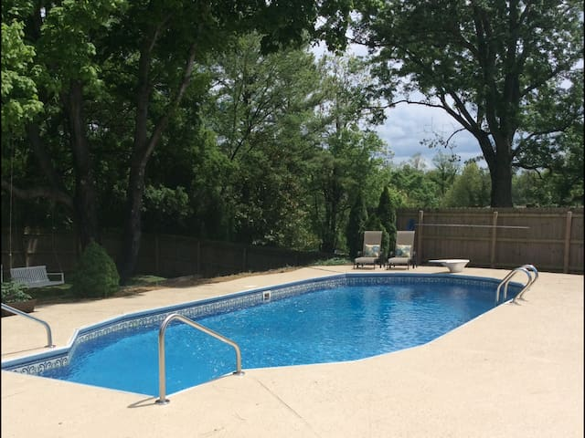 Private pool, perfect location! - Franklin - House