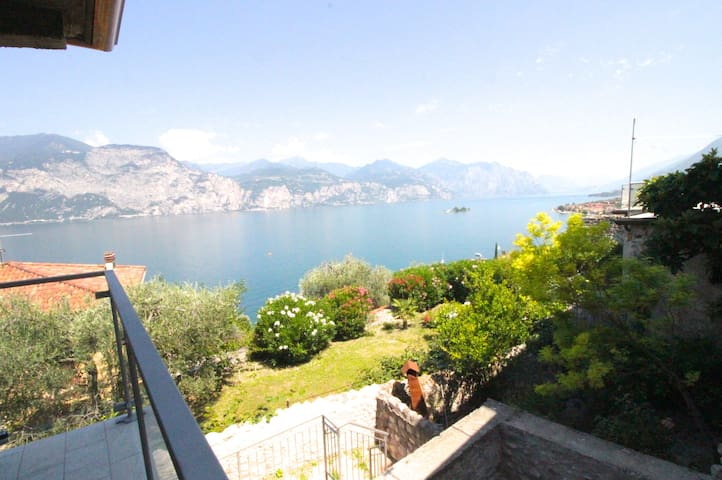 Comfortable house on the Garda Lake( coregon )