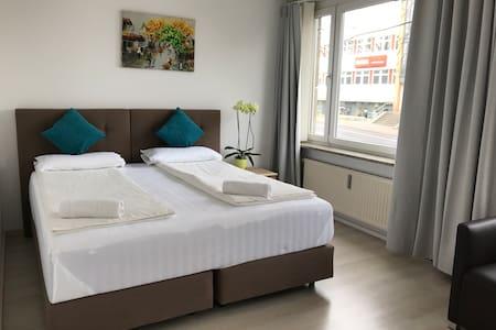 Ha Noi - Privat Room in Ferienwohnung