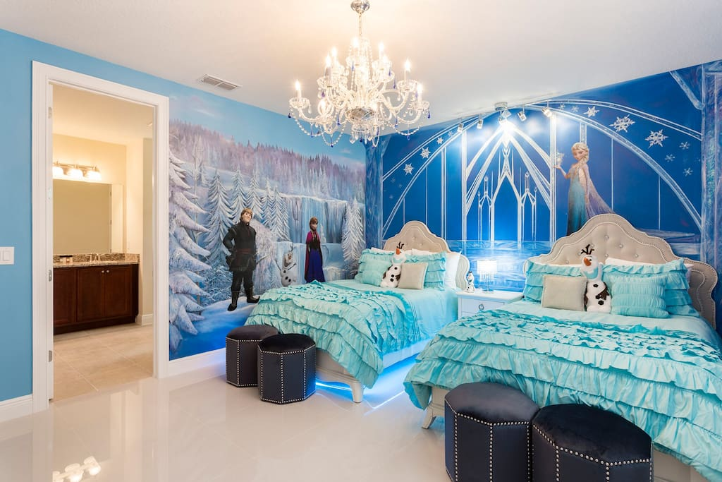 Frozen Room with 2 full size beds