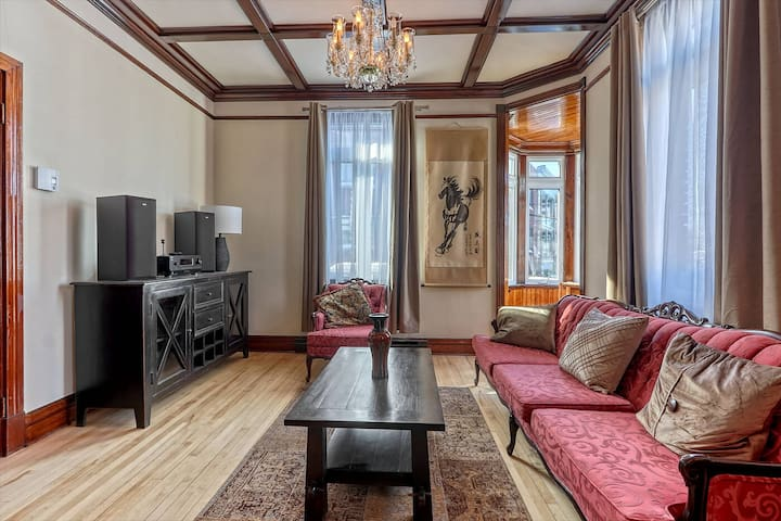 Grand appartement avec terrasse privée